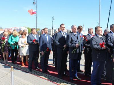 Руководитель Северо-Западного теруправления Росрыболовства принял участие в церемонии возложения цветов к памятнику Петру Первому