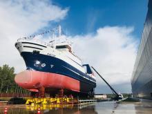 На судостроительном заводе «Пелла» спущен на воду еще один траулер для мурманских рыбаков