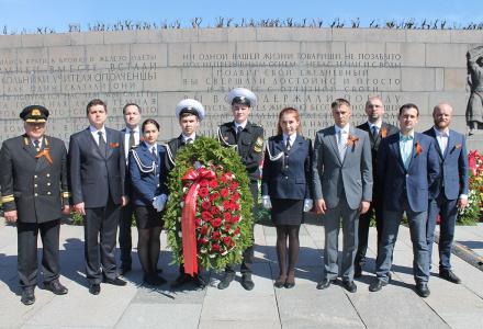 Сотрудники Северо-Западного территориального управления Росрыболовства почтили память павших за Родину